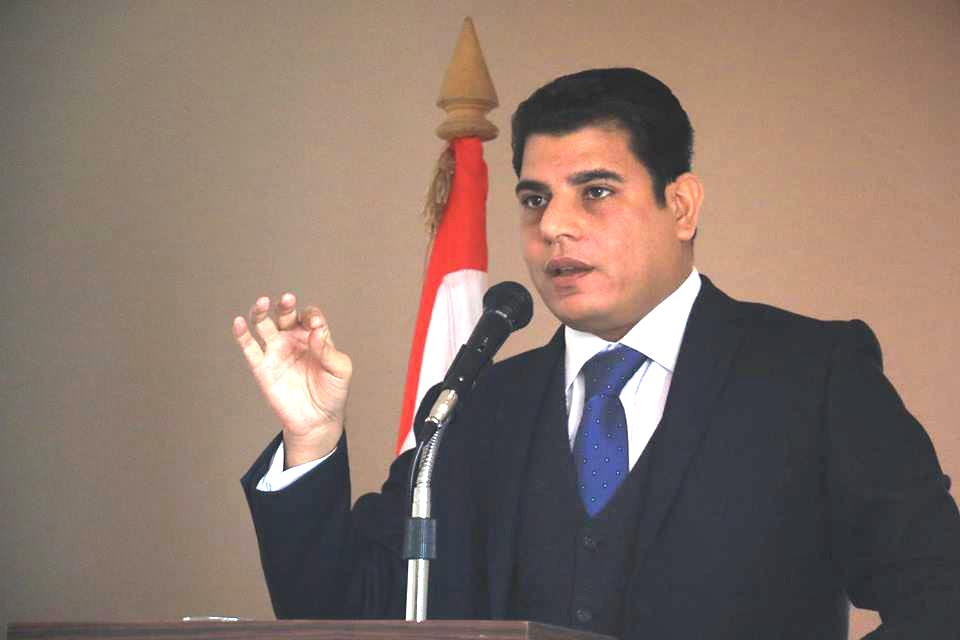 الإعلامي سالم زهران